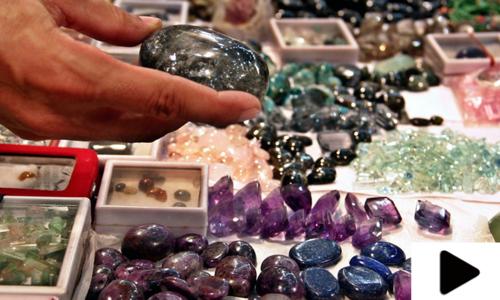 پشاور میں قیمتی پتھروں کی برآمد کا کاروبار ماند پڑنے لگا
