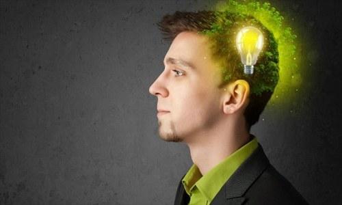 ہمارا ذہن منفی چیزوں کی طرف زیادہ متوجہ کیوں ہوتا ہے؟