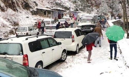توحید آباد میں پھنسے سیاحوں کو باحفاظت نکال لیا گیا، آئی ایس پی آر