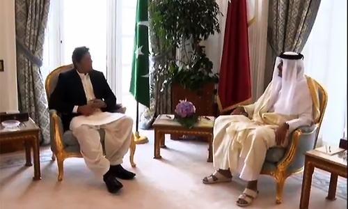 PM Khan meets Qatari emir in Doha