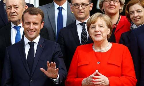 France, Germany sign friendship treaty