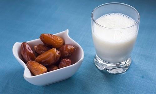 سردی میں نزلہ اور زکام سے بچنے کیلئے کھجور کا دودھ