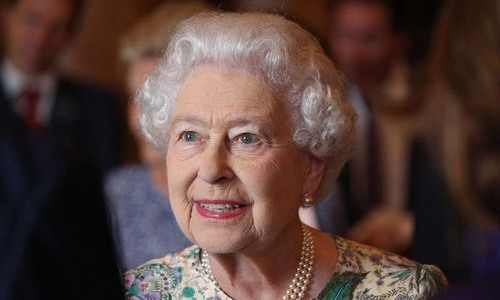Queen calls for 'common ground' as Brexit divides Britain
