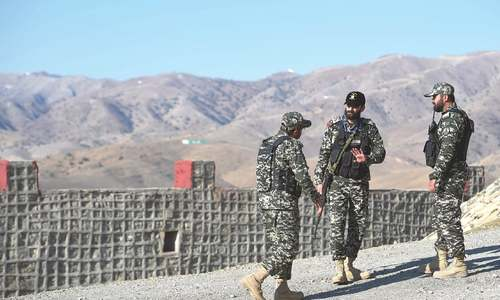 Work on 900km Pak-Afghan border fence completed: army