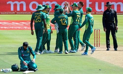 جنوبی افریقہ نے باآسانی کامیابی حاصل کرلی—فوٹو:اے ایف پی