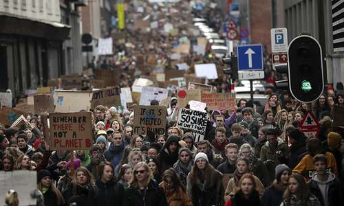 Thousands skip school for climate march in Brussels