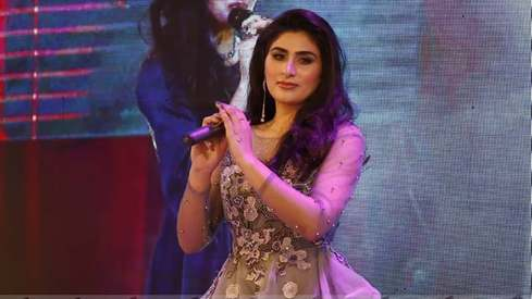 This young Pashto singer is using social media to fulfill her musical dreams