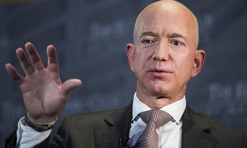 Profile: Bezos, world's richest man, shows he won't be pushed around