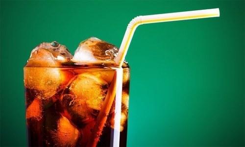 فالج اور ہارٹ اٹیک کا خطرہ بڑھانے والے مشروبات