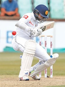 Steyn hands South Africa advantage as SL batting crumbles