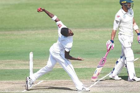 Three-wicket burst puts Proteas in driving seat