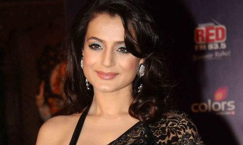 اداکارہ امیشا پٹیل پر 11 لاکھ روپے کے فراڈ کا الزام