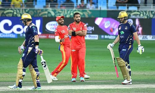 Quetta Gladiators 33-2 at the end of 5 overs in chase against Islamabad United