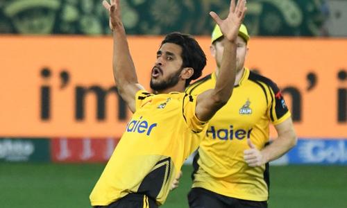 زلمی نے یک طرفہ مقابلے کے بعد لاہور قلندرز کو 3 وکٹوں سے شکست دے دی