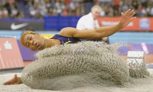 Ethiopia's Tefera sets 1500m indoor world record