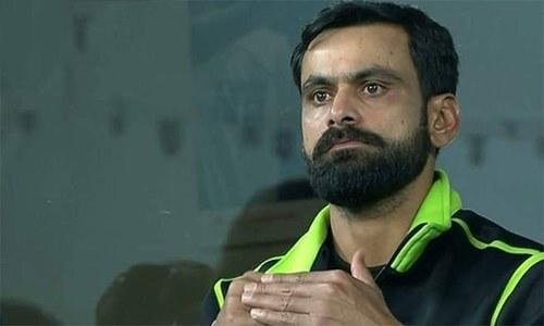 حفیظ پاکستان سپر لیگ سے باہر، ورلڈ کپ میں بھی شرکت مشکوک