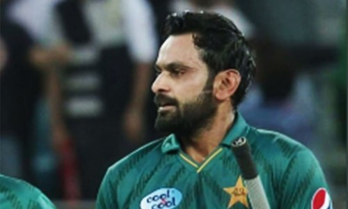 Fractured thumb forces Hafeez out of PSL 2019 season