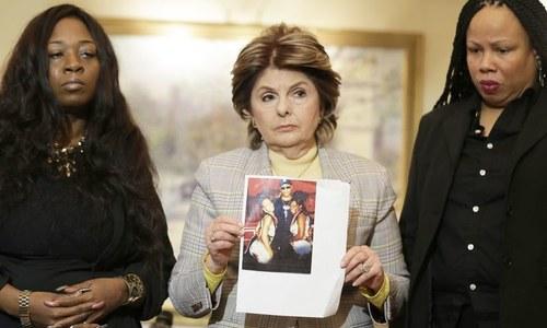 گلوکار آر کیلی پر مزید 2 خواتین کو نشہ دے کر جنسی نشانہ بنانے کا الزام