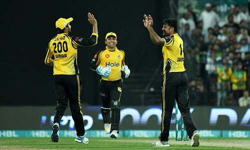 United three wickets down against Zalmi in PSL 2019 clash