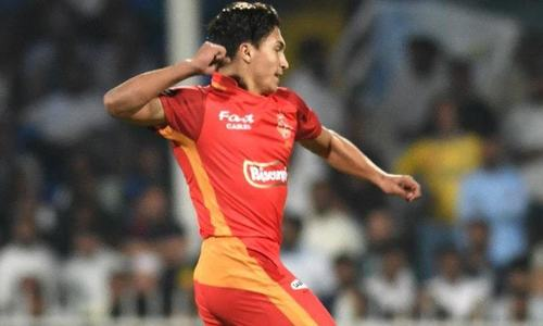 Islamabad United emerge victorious against Peshawar Zalmi in nail-biting PSL clash