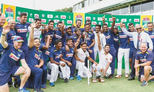 Fernando, Mendis propel SL to historic series win in SA