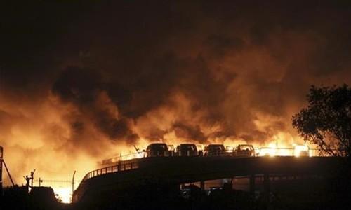 بھارت: پٹاخے بنانے والی غیر قانونی فیکٹری میں دھماکا، 10 افراد ہلاک