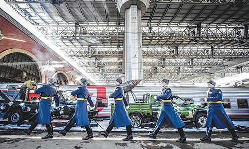 Russian army train showcases Syria war 'trophies'
