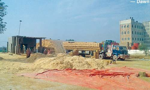 'Export' pushes dry wheat husk  price beyond farmers reach