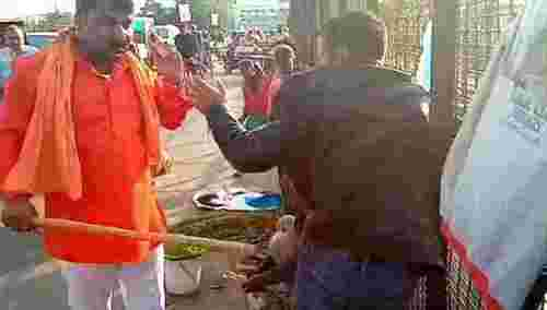 Pulwama backlash: 2 Kashmiri street vendors thrashed in India's Lucknow