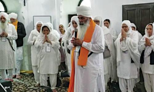 Sikhs perform rites at Gurdwara Baba Guru Nanak