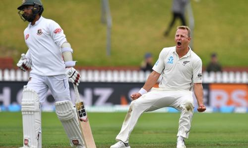 NZ dismiss Bangladesh for 211, reach 38-2