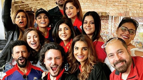 Celebs in Karachi can't stop obsessing about cricket this PSL season