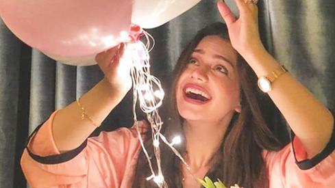 Zara Noor Abbas celebrates 28th birthday with an intimate house party