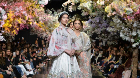 9 wedding looks we loved from the Sana Safinaz solo FPW show