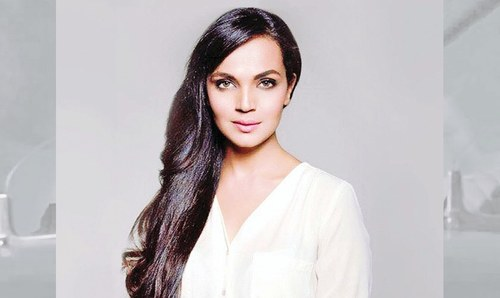 The multifaceted, award-winning actor, Aamina Sheikh in profile.