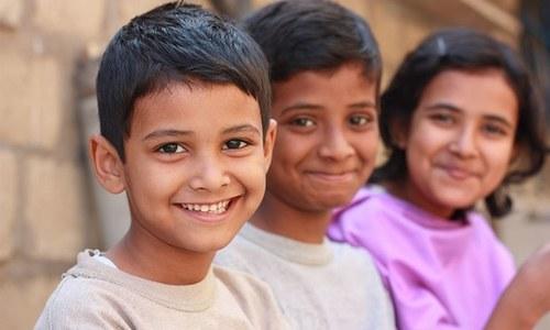 دنیا کے خوش ممالک کے انڈیکس میں پاکستان نے بھارت کو پیچھے چھوڑ دیا