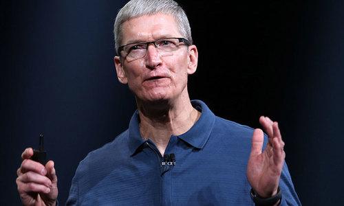 Apple's Cook says he's bullish on global economy