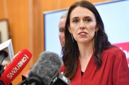 New Zealand orders top-level inquiry into mosque massacres
