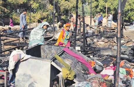 Minor girl burns to death in Gulshan hut fire