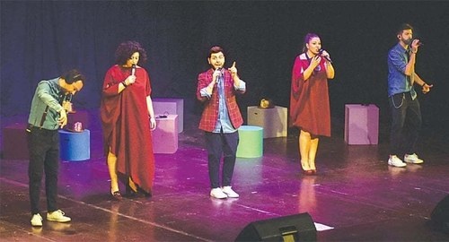 Despite language barriers, Italian a cappella group wows its Karachi audience