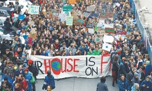 Thousands of German teenagers join Thunberg's climate fight
