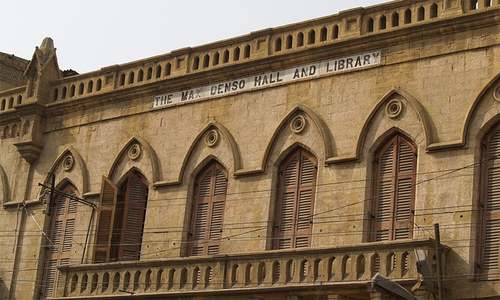 'Scientific cleaning' of facades of Karachi's historic buildings soon
