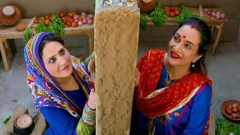 Bushra Ansari and Asma Abbas are rapping for peace between Pakistan and India
