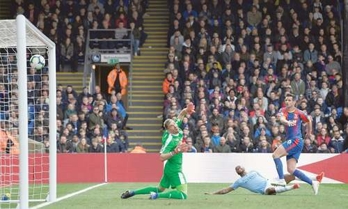 Sterling double leads City to win over Palace