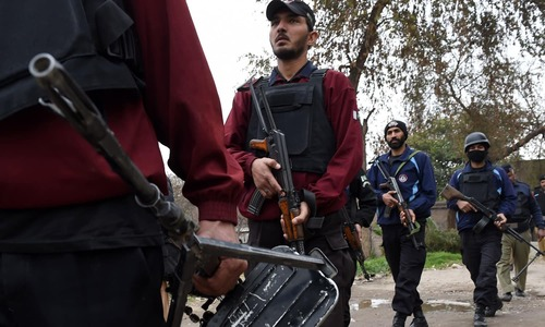 1 policeman martyred, 1 terrorist killed in intelligence-based operation in Peshawar: minister