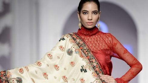 Hum Showcase is an effort to keep Pakistani fashion elevated to what it used to be: Rizwan Beyg