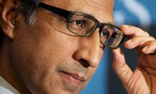 ڈاکٹر عبدالحفیظ شیخ — فائل فوٹو