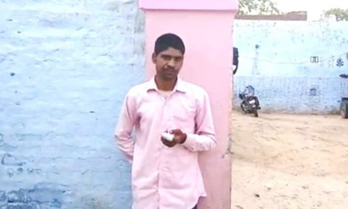 Indian man amputates finger after voting for Modi's party