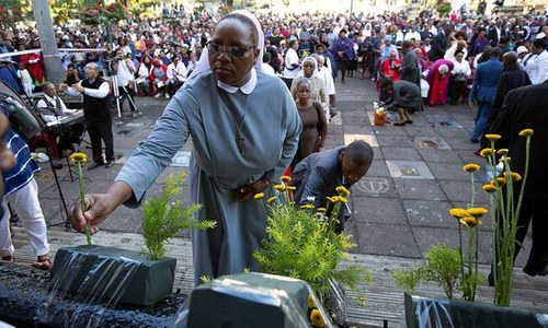 جنوبی افریقہ: ایسٹر کی عبادت کے آغاز پر چرچ میں حادثہ، 13 افراد ہلاک