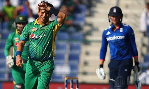 انگلینڈ کے خلاف سیریز: شاداب کی جگہ یاسر شاہ اسکواڈ میں شامل